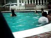 Voyeur Amateur Couple Caught Making Sex in the Pool